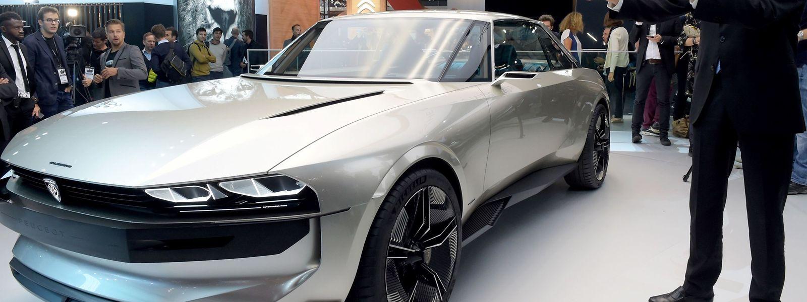 PSA Peugeot Citroen fait le buzz avec sa Peugeot «E-legend» Concept., la réinterprétation moderne, électrique et autonome, de la 504 coupé.