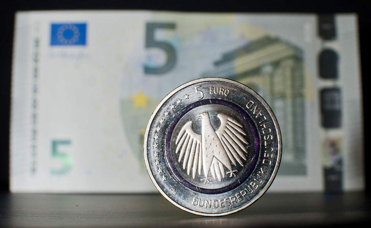 Die neue deutsche Münze wird nicht den Fünf-Euro-Schein ersetzen.