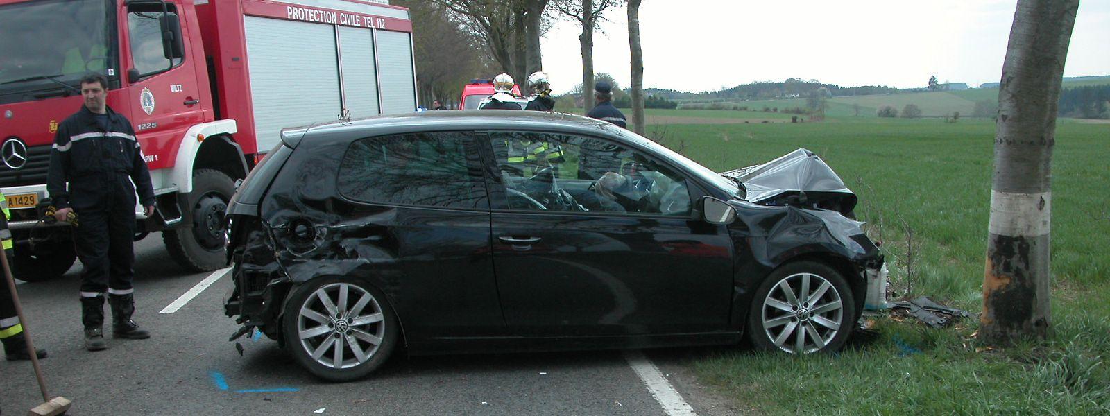 Deux motards et neuf conducteurs ont perdu la vie, en 2019, dans des accidents où un choc avec un arbre a eu lieu.