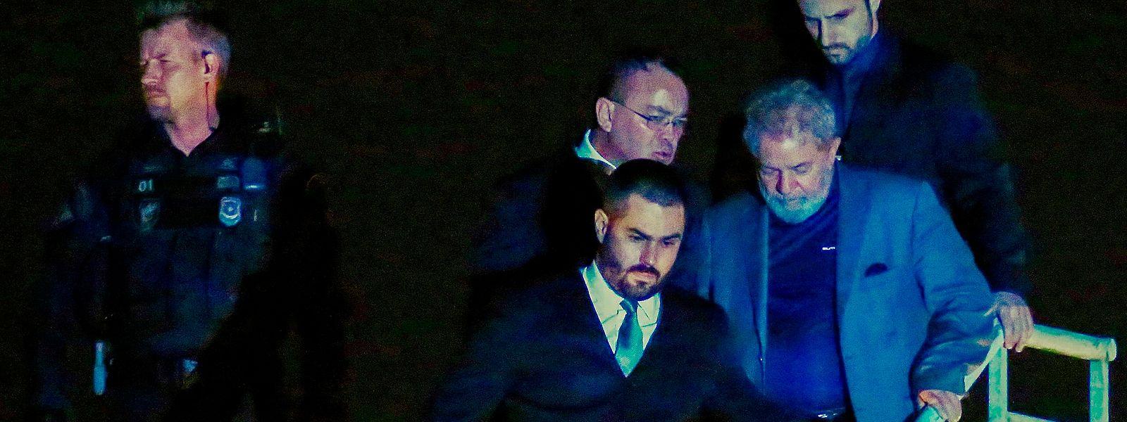 Lula da Silva vai cumprir uma pena de 12 anos e um mês