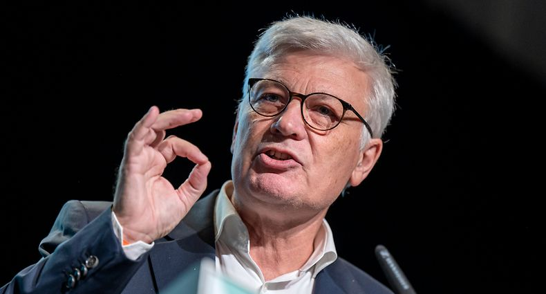 CSV-Parteichef Claude Wiseler hebt die Bedeutung des Sozialen und der sozialen Gerechtigkeit für seine Partei hervor.