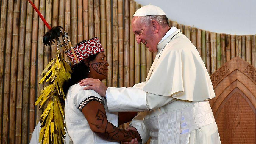 Papst Franziskus besucht Katastrophenregion im Norden Perus