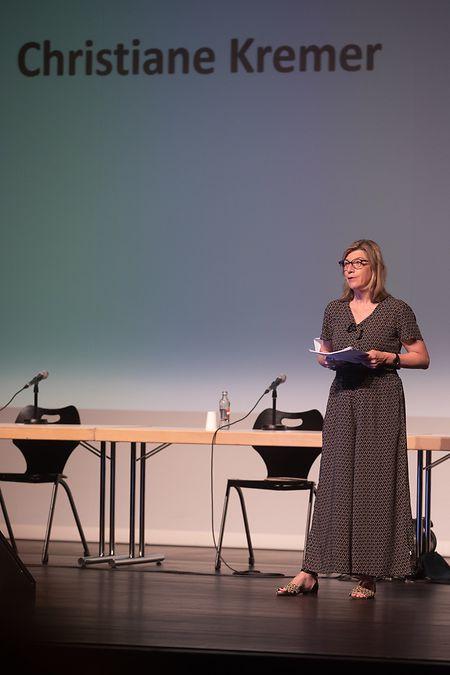 Les débats furent animés par la journaliste Christiane Kremer