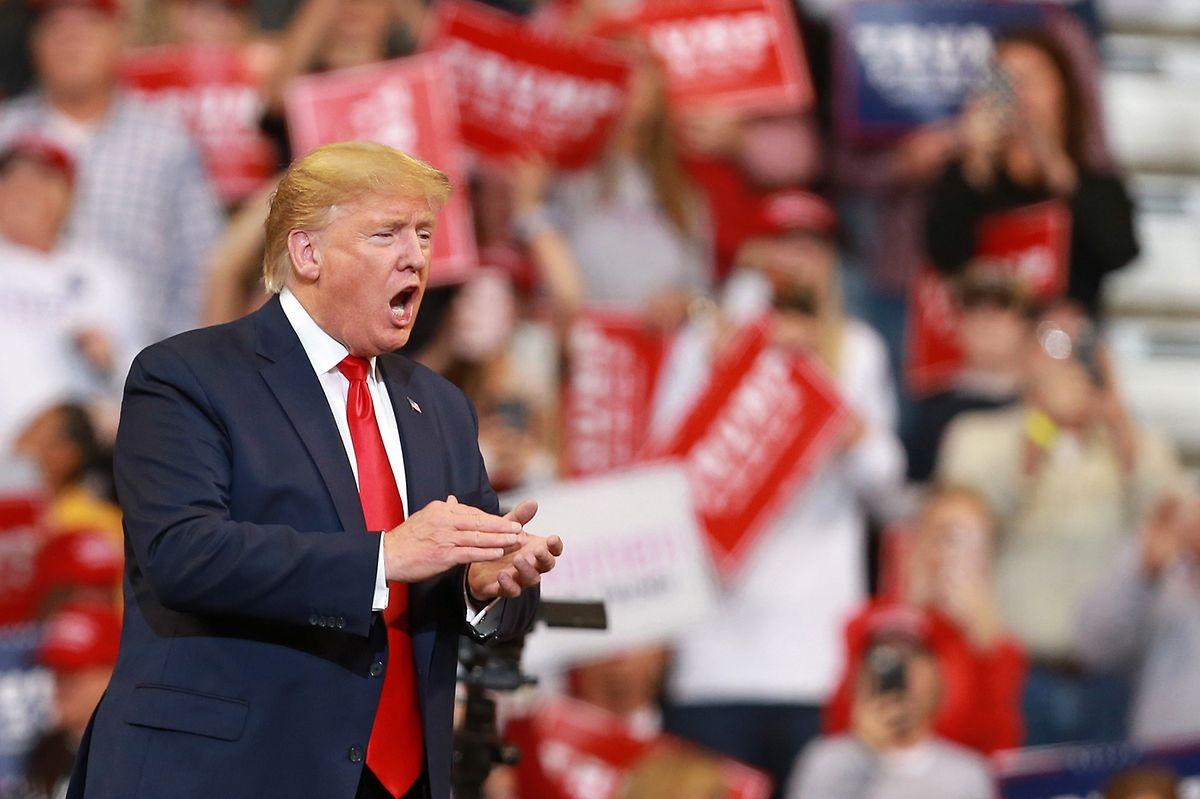 Trump ist derzeit im Wahlkampf unterwegs - das Foto zeigt ihn auf einer Veranstaltung am Donnerstag io Louisiana.