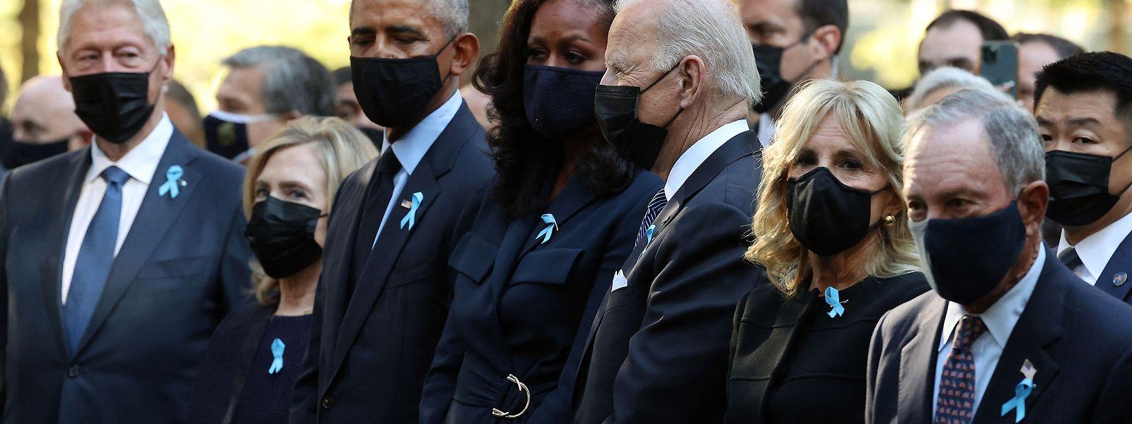 Bill Clinton (links), Barack Obama (Dritter von links) und Joe Biden (Fünfter von links) bei der Gedenkfeier zum 20. Jubiläum der Anschläge vom 11. September 2001.