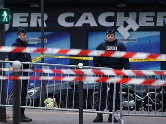 Januar 2015: Polizisten riegeln den betroffenen Supermarkt ab.