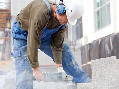 Die Regierung will bis 2025 über 10.000 Wohnungen bauen oder teilfinanzieren und so die Preissteigerung abbremsen.
