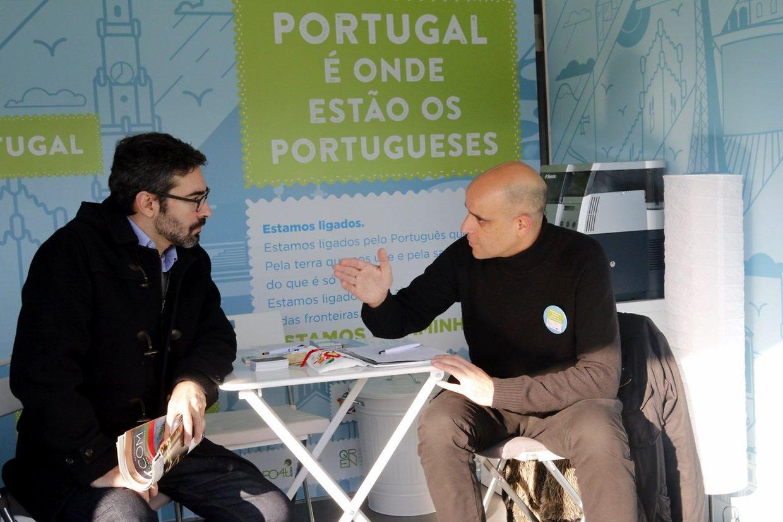Foram numerosos os portugueses que hoje passaram pelo stand do ACM com perguntas e dúvidas