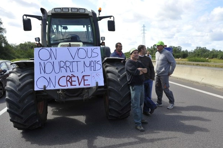 Landwirte blockieren die A31 bei Hauconcourt.