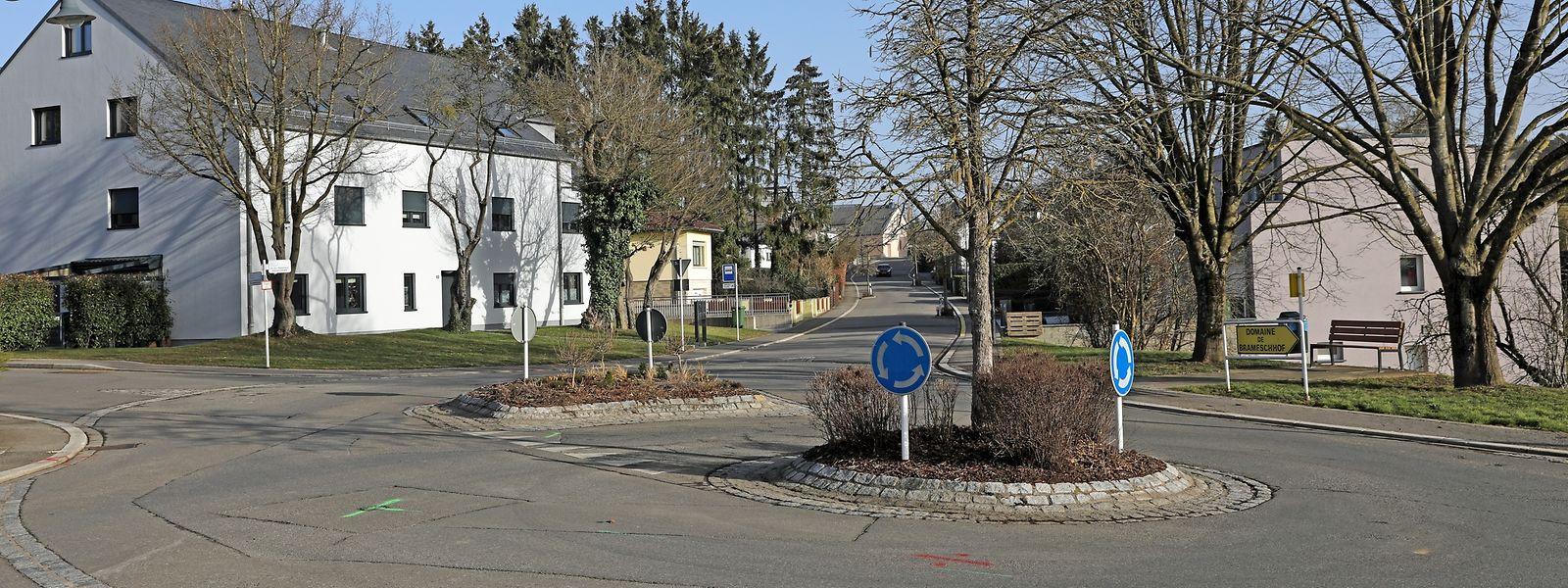 Oft belächelt und häufig kritisiert: Der wohl kurioseste Kreisel der Gemeinde Kehlen und Umgebung.
