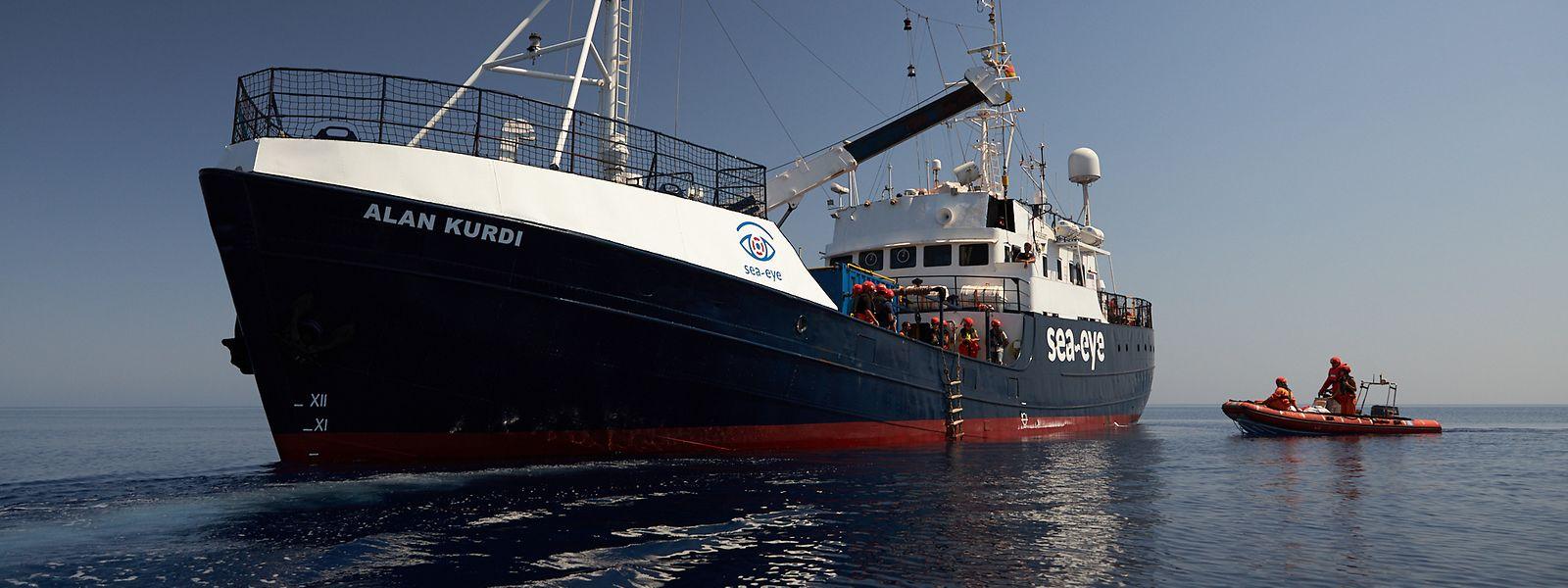 Dieses von der Seenotrettungsorganisation Sea-Eye zur Verfügung gestellte Foto zeigt das Seenotrettungsschiff «Alan Kurdi».