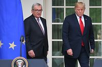 US President Donald Trump meets with European Commission President Jean-Claude Juncker in the Rose Garden of the White House in Washington, DC, on July 25, 2018. / AFP PHOTO / SAUL LOEB