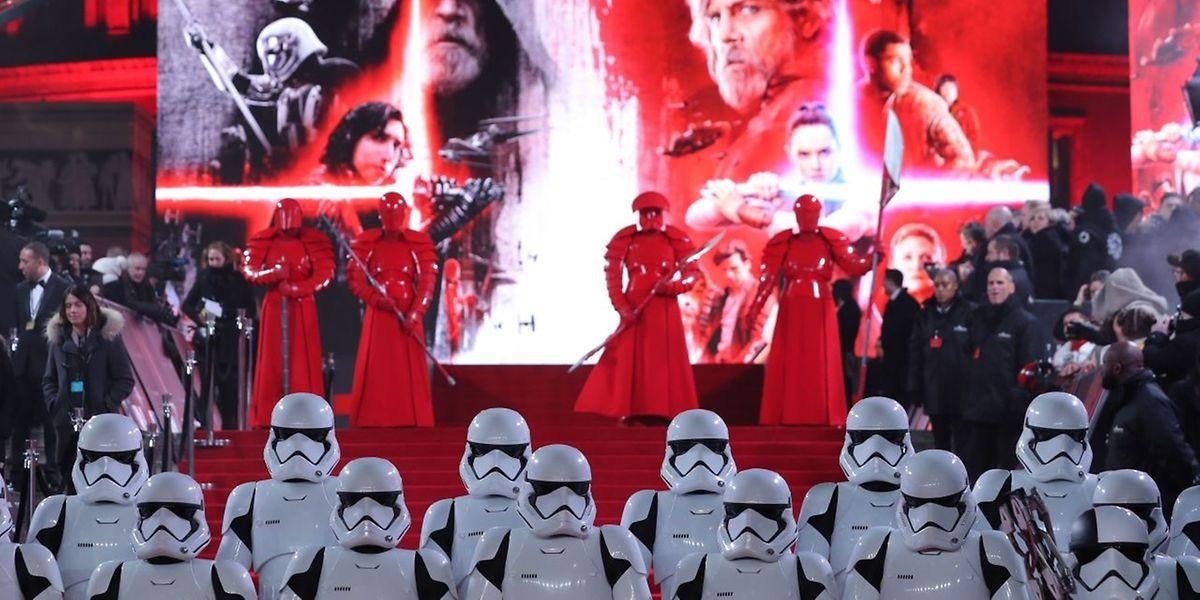 Quarante ans après la sortie du premier volet, la marque «Star Wars» ne s'est jamais mieux portée et les experts prévoient 220 millions de dollars de recettes le premier week-end de distribution aux Etats-Unis, dans six jours.