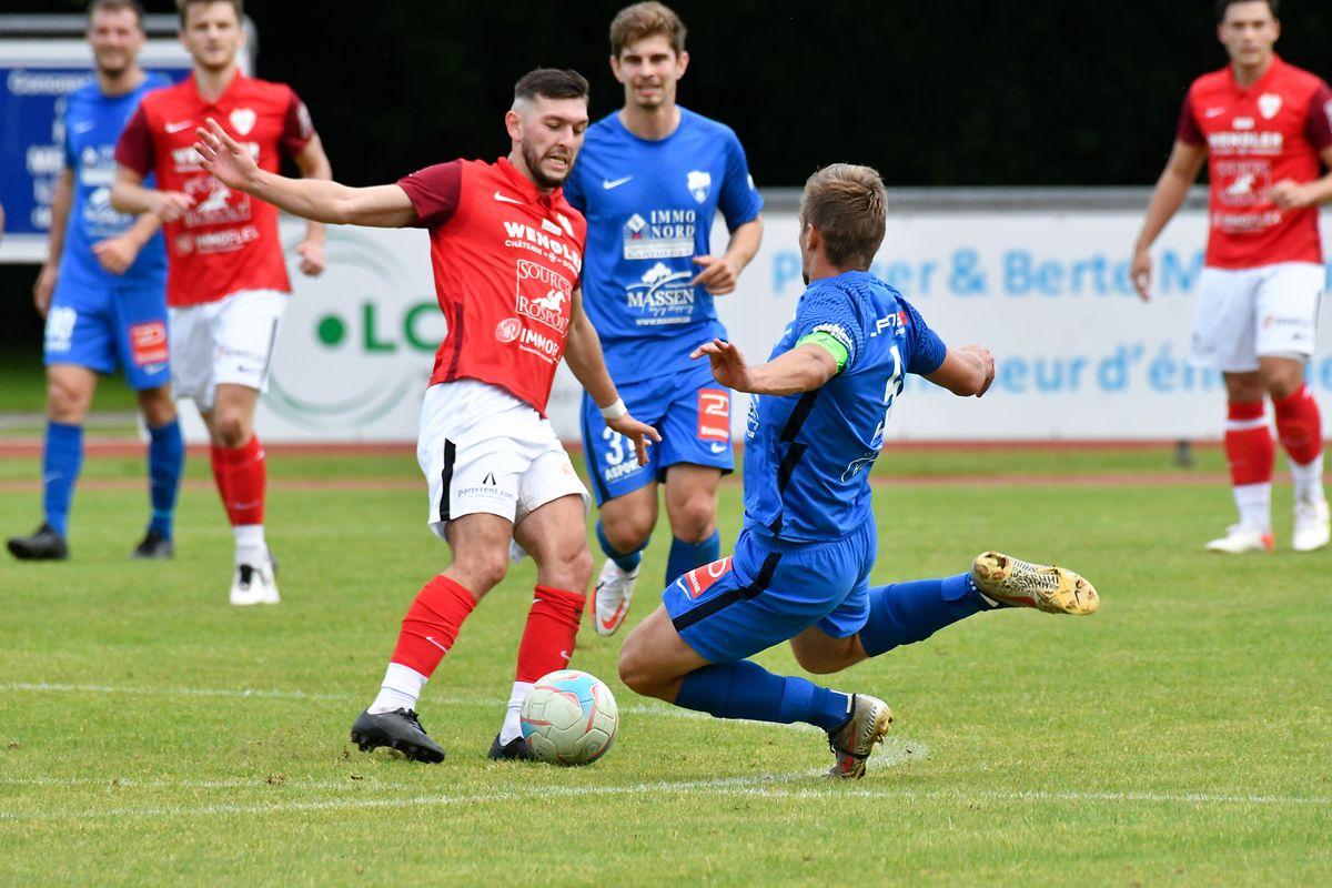 Un match dans le match lors de la rencontre Ettelbruck-Rosport : la défense de Lex Nicolay face à Mathieu Leroux.