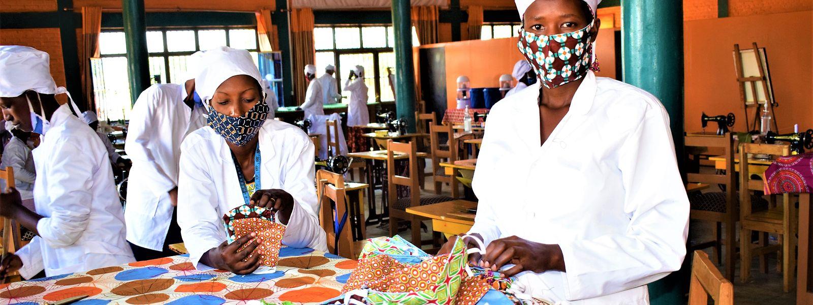 In der Maison Shalom im ruandischen Kigali werden nun Schutzmasken hergestellt.