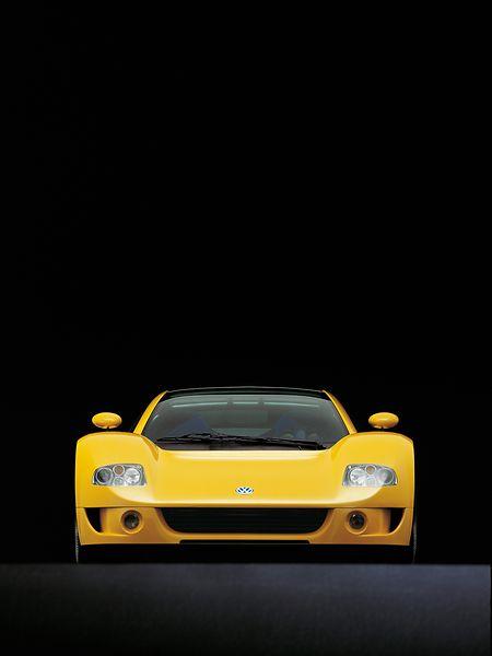 Zu schön um wahr zu werden? In Serie gegangen ist der W12 von VW nie, aber es gab ja auch viel konzerninterne Konkurrenz wie zum Beispiel von Bugatti, Lamborghini und Audi.