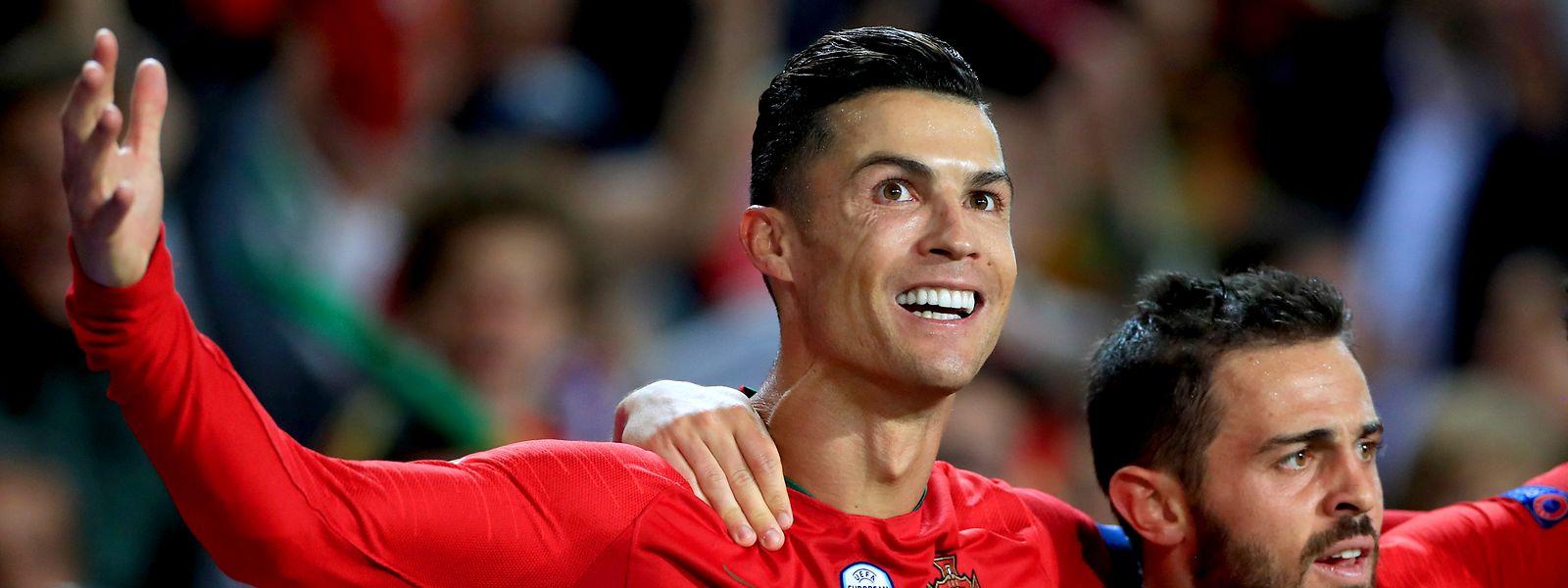 Cristiano voltou a ter uma noite mágica ao serviço de Portugal com mais um 'hat-trick^.