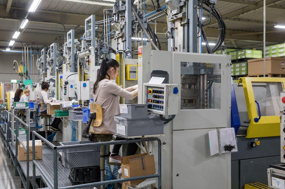 Workers at component manufacturer Cebi in Steinsel Photo: Lex Kleren