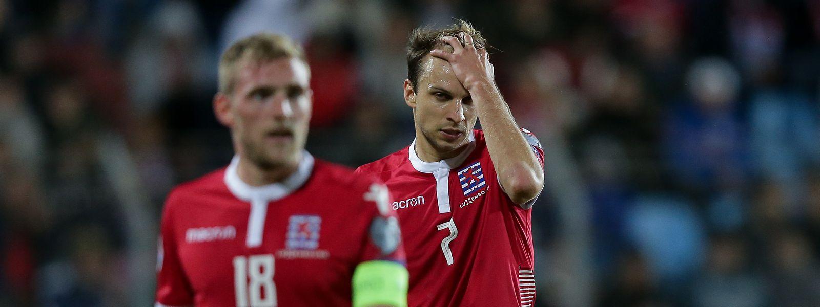 Lars Gerson (r.), Laurent Jans und die Luxemburger freuen sich auf das Spiel.