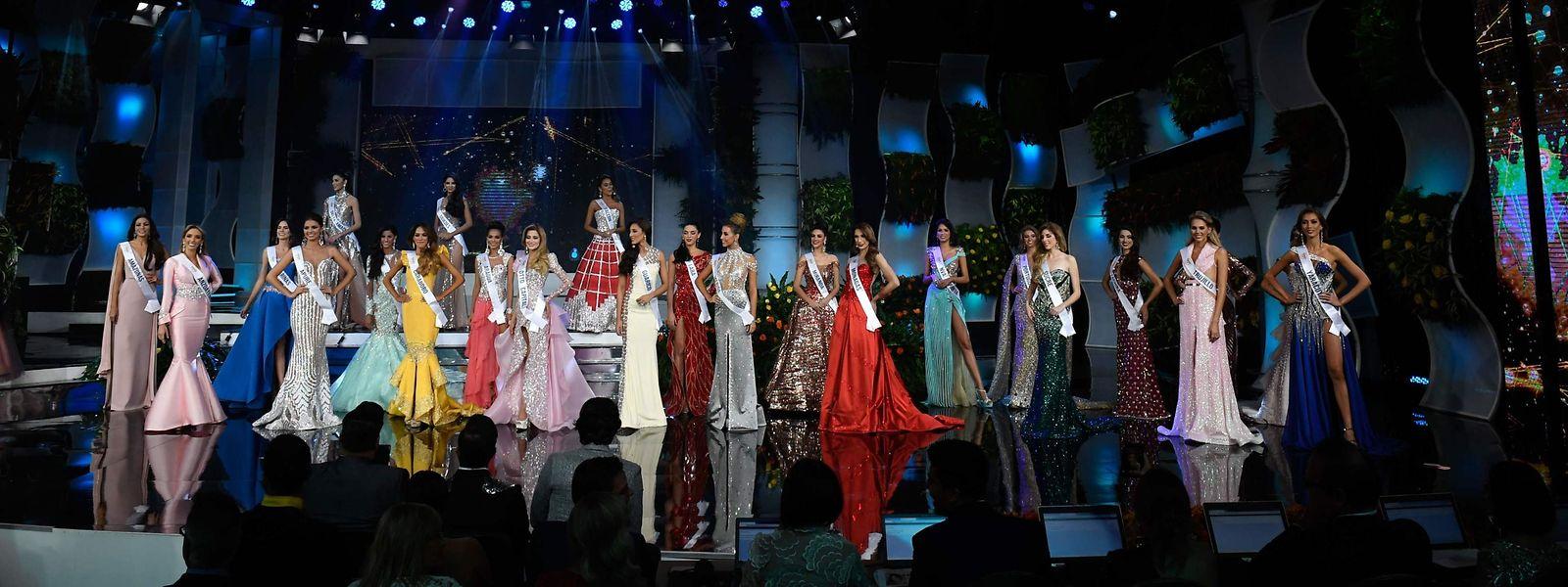 Miss Venezuela 2019: Die Kandidatinnen präsentieren sich in ihren Abendkleidern.