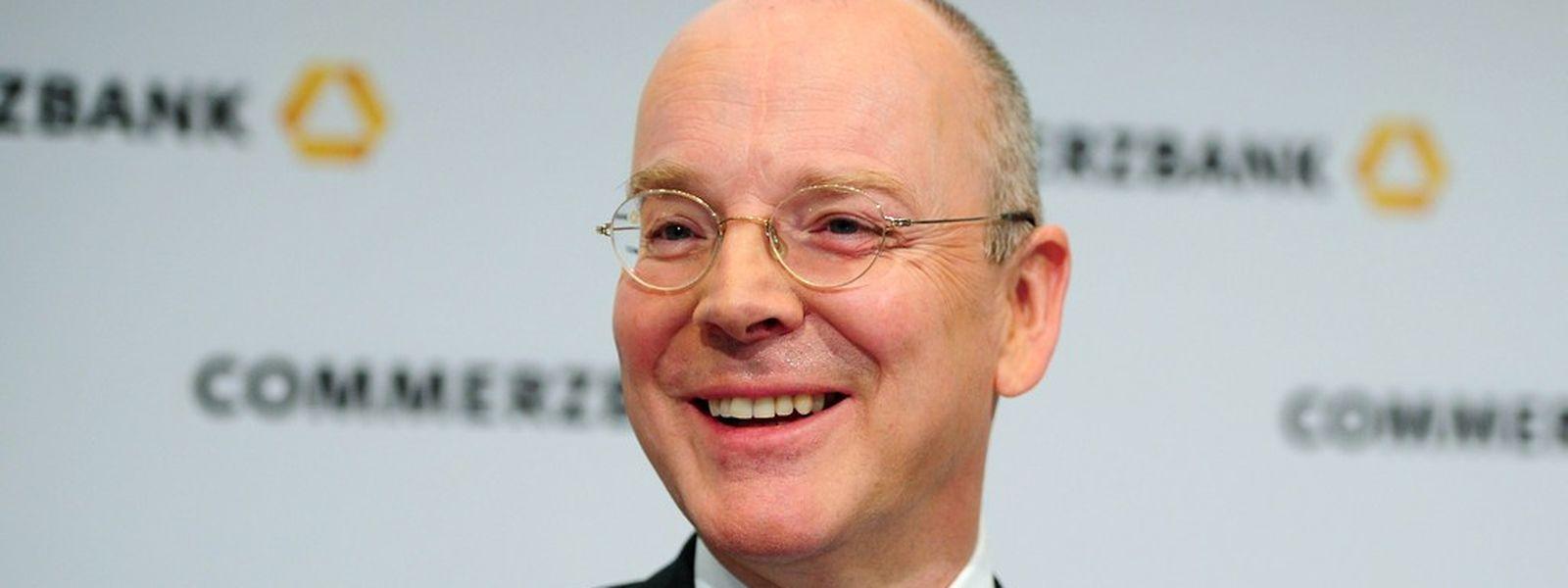 """""""In einem herausfordernden Umfeld sind wir weiter gewachsen, haben mehr Kredite vergeben und Marktanteile gewonnen"""", bilanzierte Commerzbank-Chef Martin Blessing."""