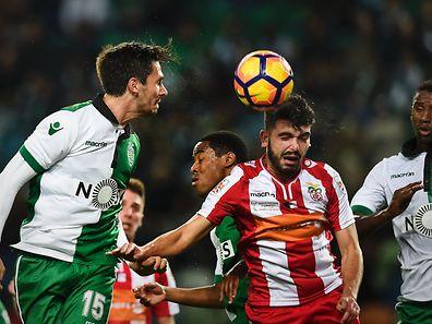 Sporting começou a perder, mas acabou a golear a formação açoriana