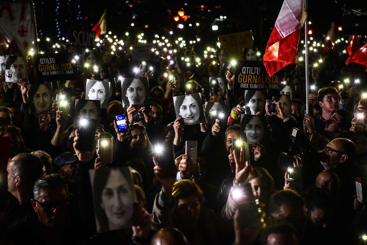 """Seit Tagen gehen Menschen in dem kleinsten EU-Land auf die Straße und protestieren gegen korrupte Politiker und einen """"Mafia-Staat""""."""