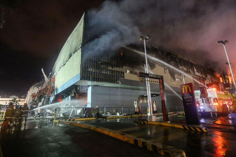 Die Opfer wurden von den Flammen eingeschlossen.