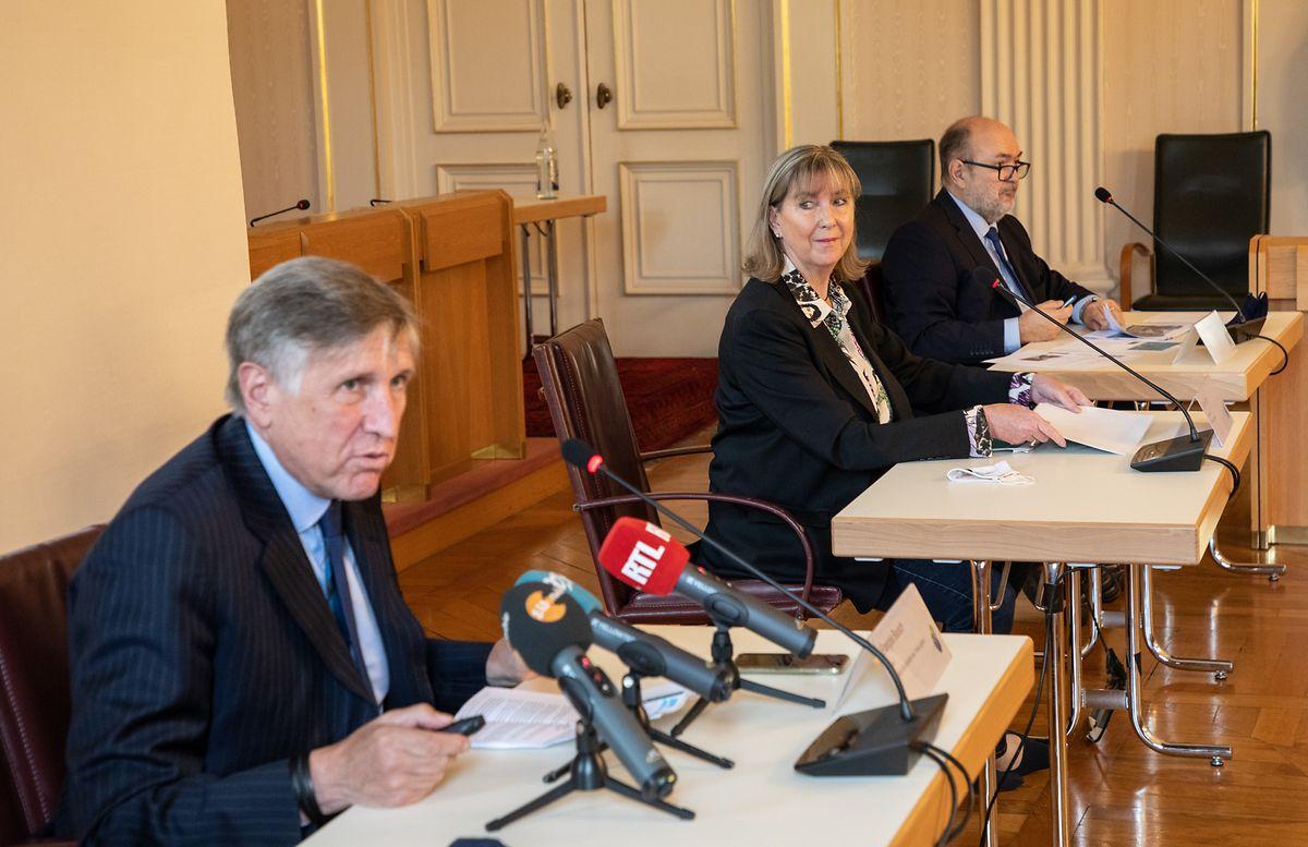 Mobilitätsminister François Bausch, Bürgermeisterin Lydie Polfer und Luxtram-Direktor André Von der Marck freuen sich, dass der Zeitplan aufgeht.