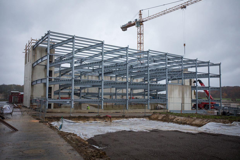 Les contours du premier parking central sont déjà clairement visibles sur le chantier.
