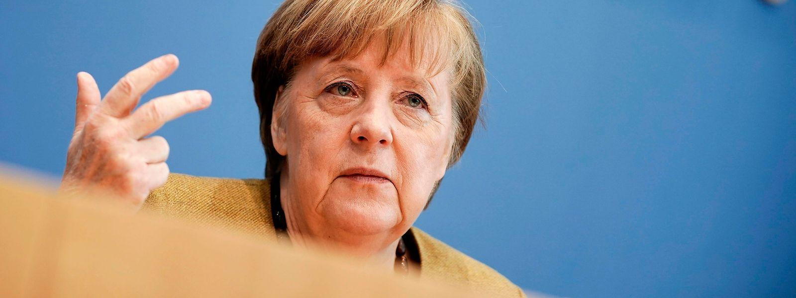 Wegen der gefürchteten neuen Varianten des Corona-Virus schließt Bundeskanzlerin Angela Merkel Kontrollen an den deutschen Grenzen nicht aus.