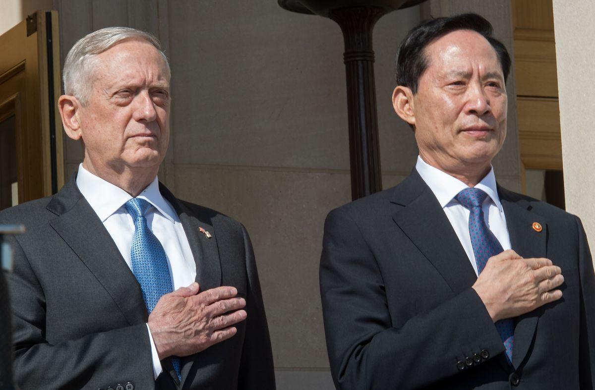 Südkorea steht in ständigem Austausch mit den USA. Verteidigungsminister Song Young-moo (r.) besuchte seinen Kollegen James Mattis am 30. August in Washington.