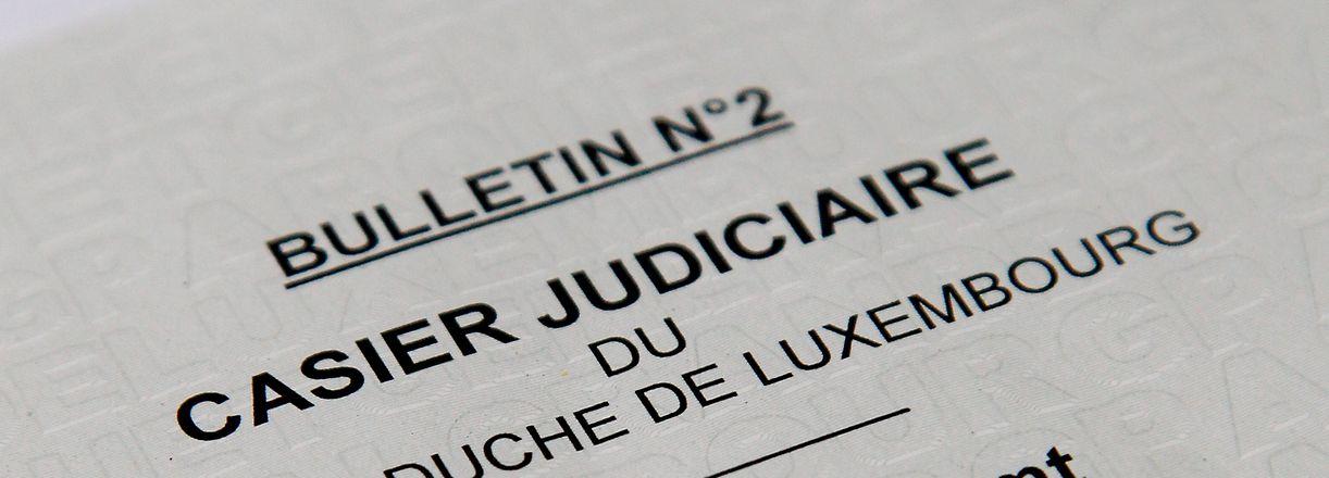 20.5. Extrait du Casier Judiciaire / Strafregister Foto: Guy Jallay