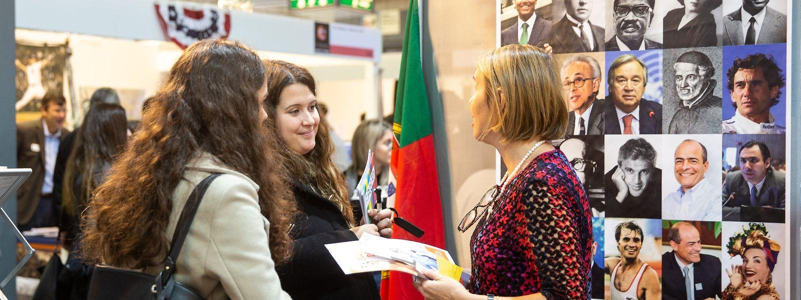 A feira facilita o contacto e o acesso à informação das instituições do ensino superior.