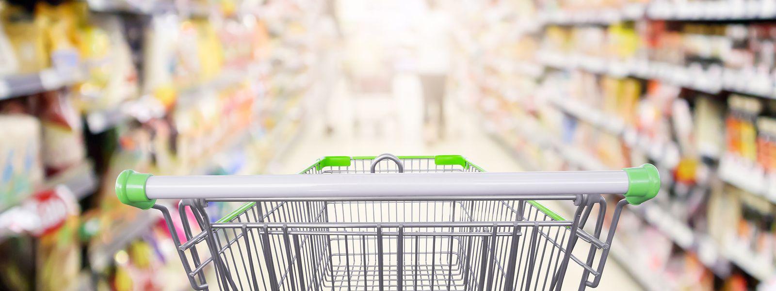 Aucun lait contaminé n'a encore été trouvé dans les grands supermarchés du pays.