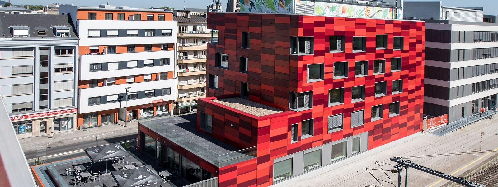 Die rote Fassade der Herberge soll an die Minette erinnern.