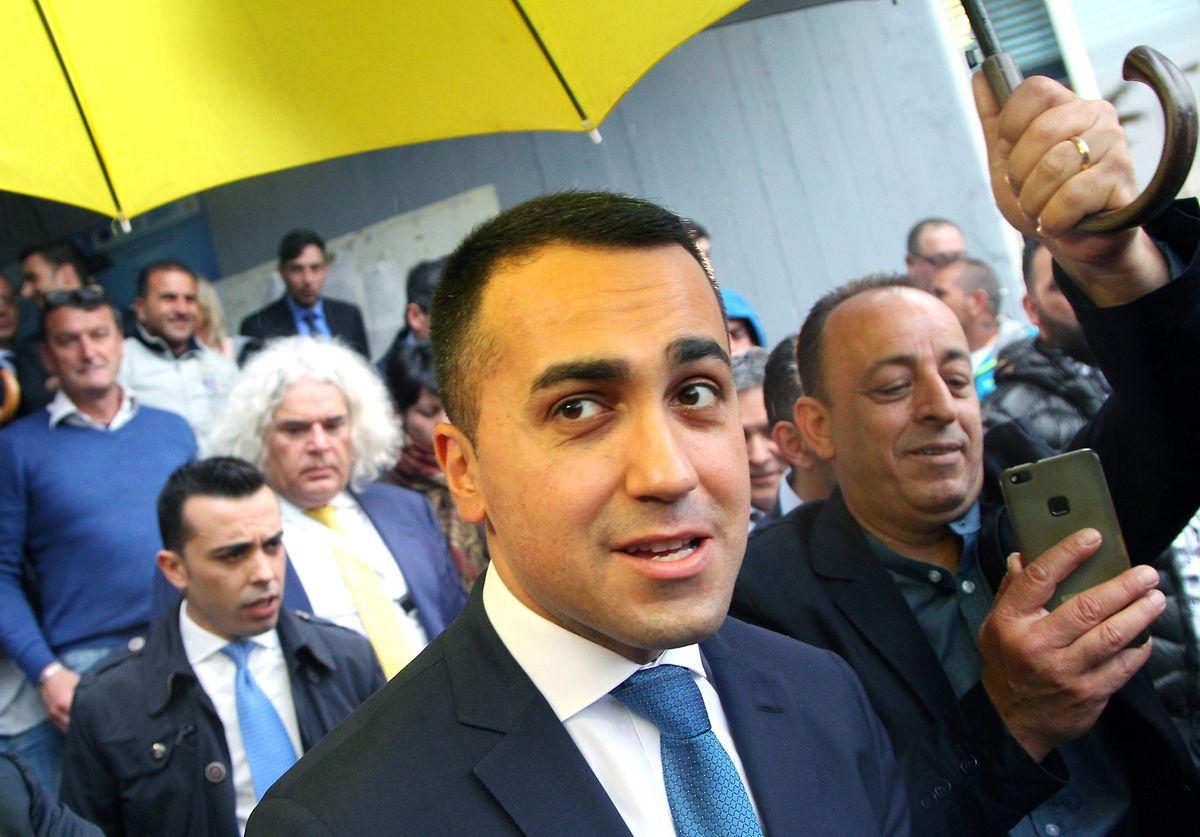 A la tête du Mouvement 5 Etoiles,  le trentenaire Luigi Di Maio a régulièrement dégringolé dans les sondages ces derniers mois.