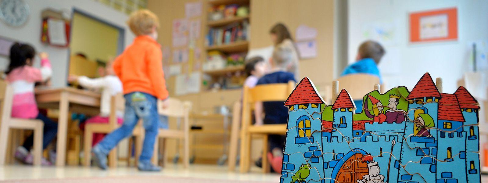 Pour encadrer les tout-petits mais aussi les adultes handicapés ou les seniors, le Luxembourg manque de diplômés formés. Un paradoxe alors que les postes à pourvoir se multiplient.