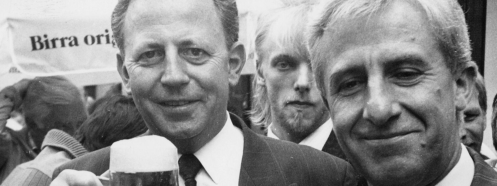 """Wenig Grund zum Feiern haben die """"Gebrüder Jacques"""" mit Blick auf die Ergebnisse bei den Europawahlen von 1994."""