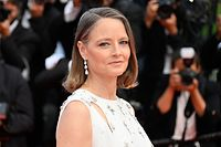 """TOPSHOT - US actress and director Jodie Foster arrives for the opening ceremony and the screening of the film """"Annette"""" at the 74th edition of the Cannes Film Festival in Cannes, southern France, on July 6, 2021. (Photo by John MACDOUGALL / AFP)"""