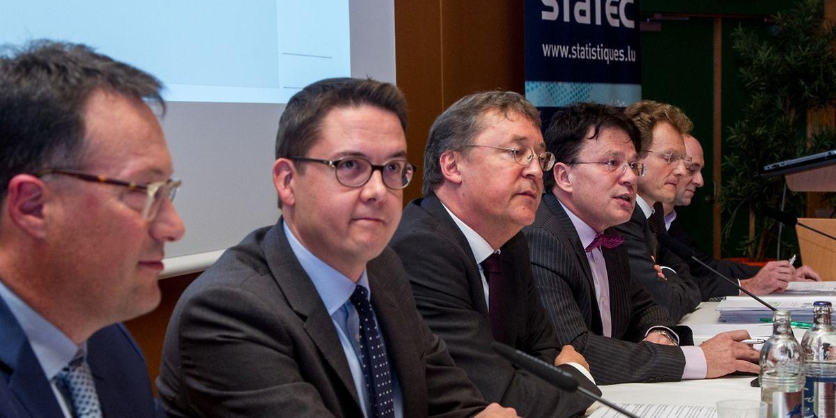 Pierre Leyers, journaliste au Luxemburger Wort, a modéré mardi la table ronde à laquelle ont participé Tom Elvinger, Yves Nosbusch, Serge Allegrezza, Ferdy Adam et Bastien Larue.