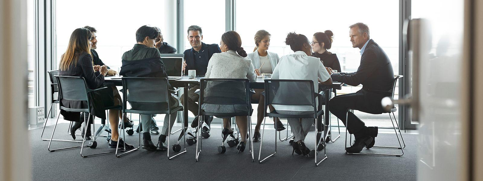 Selon le coach Enrico Abitelli, une réunion ne doit pas compter plus d'une dizaine de participants pour être efficace.