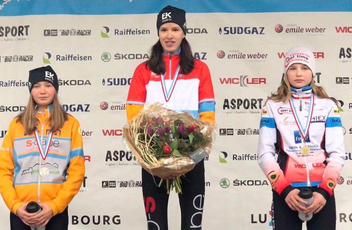 Le podium des débutantes avec Marie Schreiber sur la marche la plus haute.