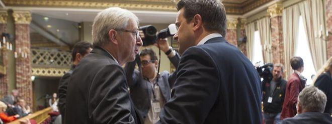 Ex-Premier Jean-Claude Juncker (l.) und Premierminister Xavier Bettel wenige Minuten vor Beginn der Rede zur Lage der Nation.