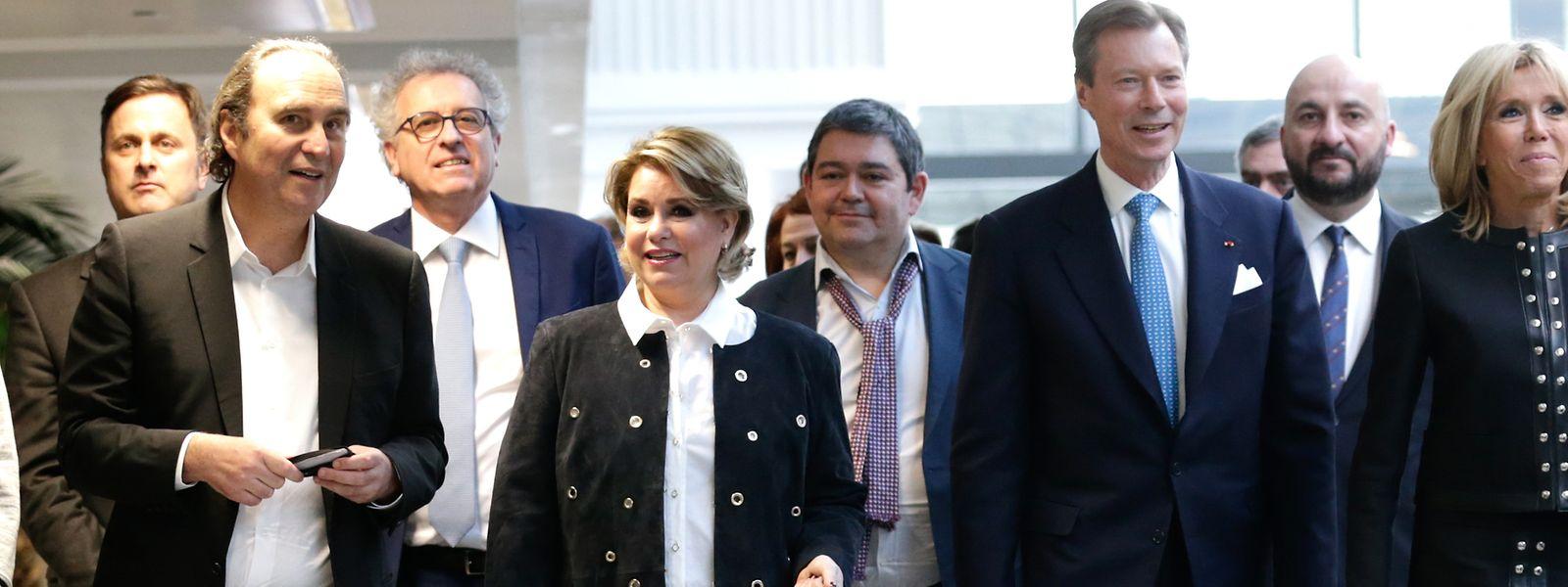 En 2018, Xavier Niel (à gauche) avait reçu une délégation impressionnante pour la visite de son campus de start-up Station F, à Paris.Il est aujourd'hui épinglé par l'enquête OpenLux.