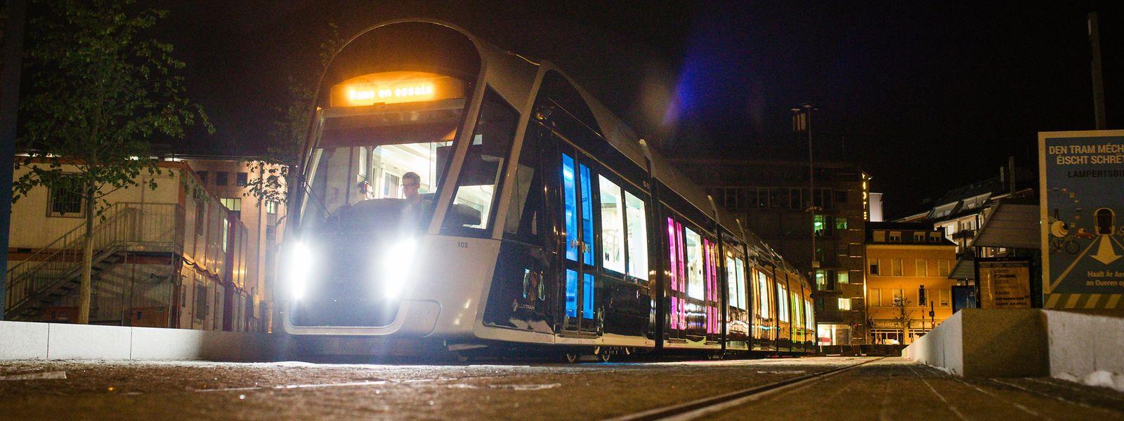 Derzeit werden nachts Testfahrten zwischen der Rout Bréck und der Place de l'Etoile durchgeführt.