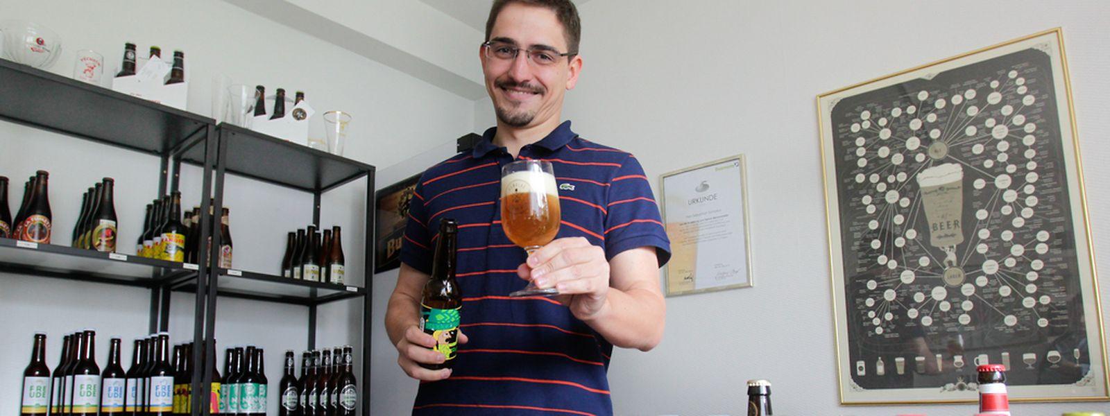 """Wohl bekommt's! In Sebastian Symolkas Biershop """"Humulus et Fermentum"""" findet man eine abwechslungsreiche Auswahl an 64 Craft-Bieren."""