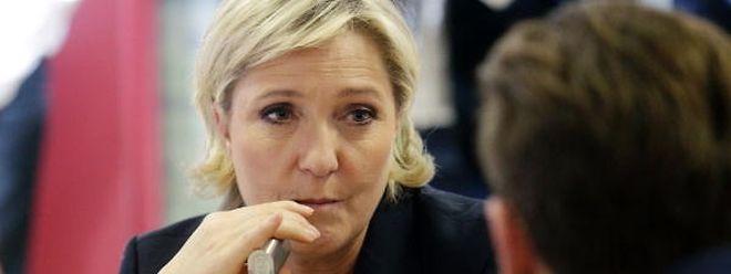 Marine Le Pen, die aussichtsreiche Kandidatin für die Präsidentschaftswahl, bekommt Ärger mit der Justiz.