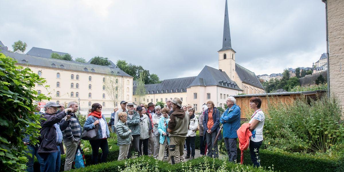 Le Klouschtergaart et son décor unique attirent à chaque visite guidée de nombreux curieux