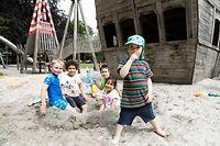 Lokales, Spielplatz Park Stadt, Piratenschiff, , Eröffnung nach Corona-Zeit, Kinder füllen wieder die Spielplätze, Kinder spielen, Foto: Anouk Antony/Luxemburger Wort